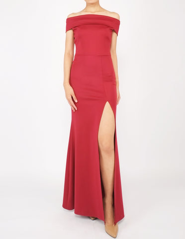 Hava Off-Shoulder Gown (Maroon)