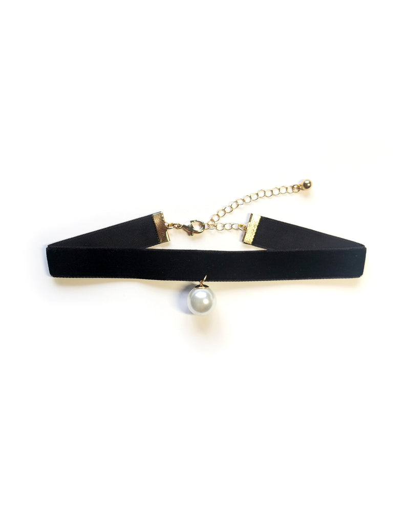 Pearl Velvet Choker Necklace