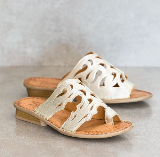 Tsonga Isivina metallic silver leather sandal | Tsonga USA