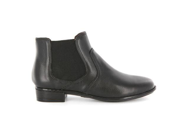 Semvula black pull-on ankle boots | Tsonga