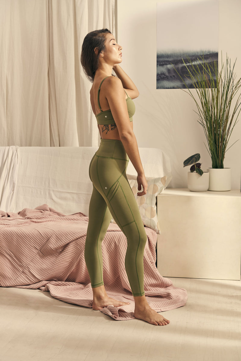 Isabel 7/8 Legging in Palm Green
