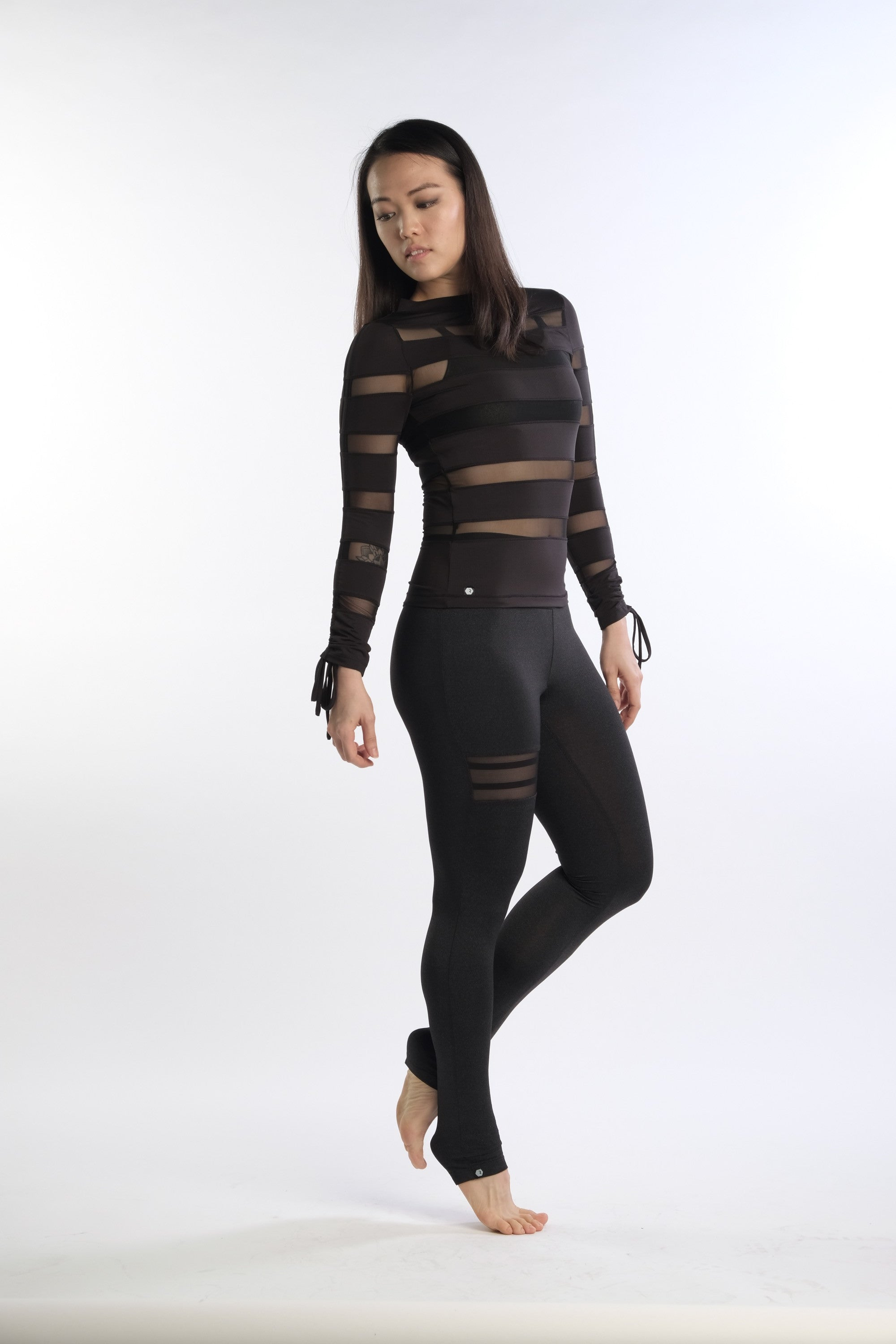 Aon Bodycon in Black