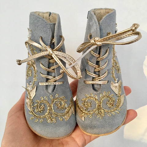 Vibys gold embroidered gray leather kids boots