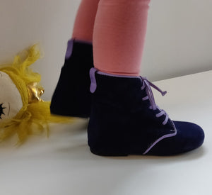 Vibys-Baby-Shoes-Dewberry-Blue-Model-view