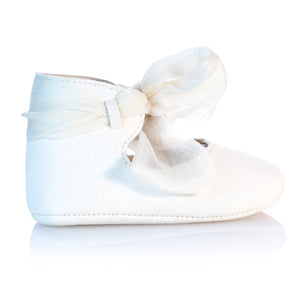 Vibys-Baby-Shoes-Swan-side-view
