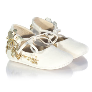 Vibys-Baby-Shoes-Water-Lily-White-pair-view