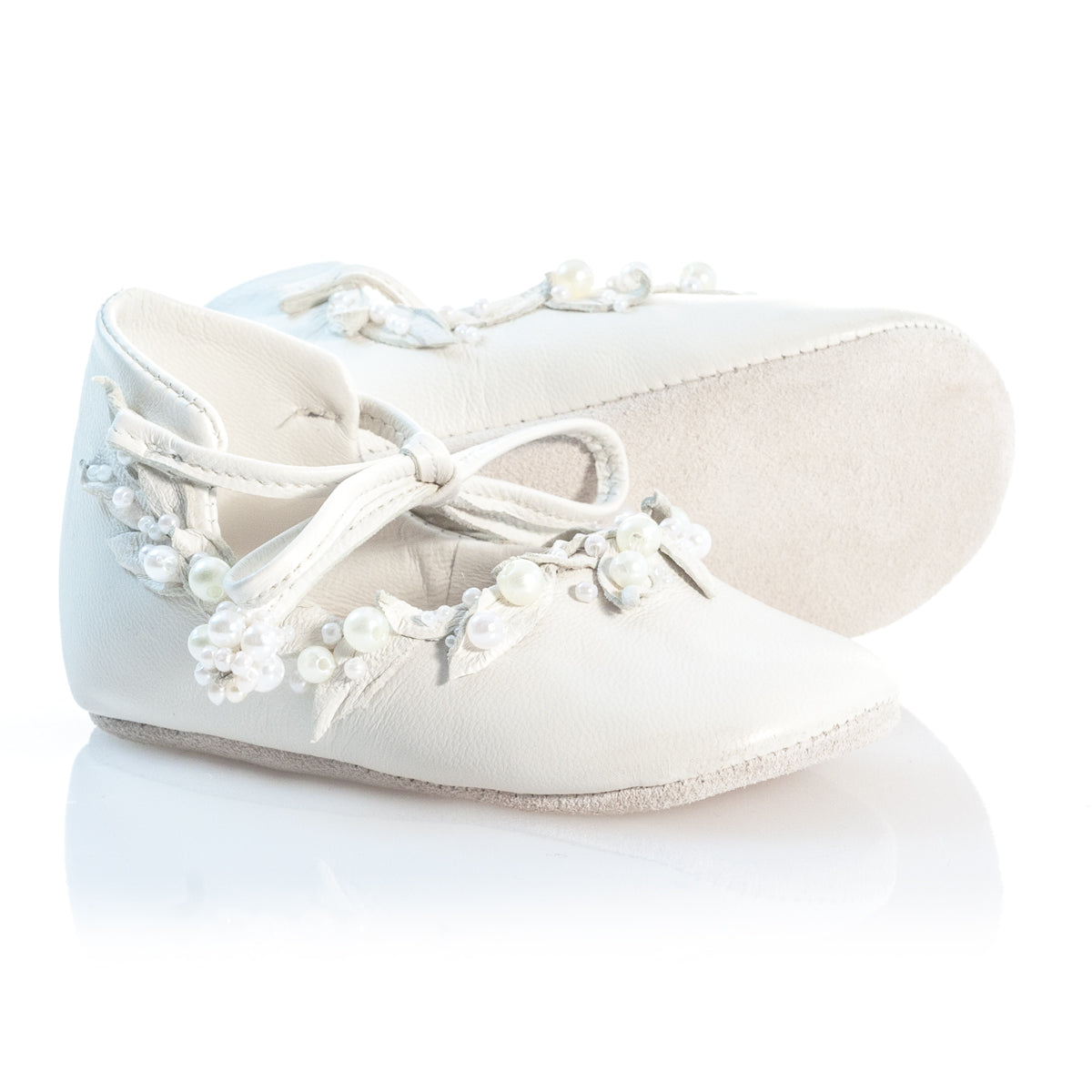 VIBYS WHITE FOREST handmade white leather baby shoes with pearls and leather leaves