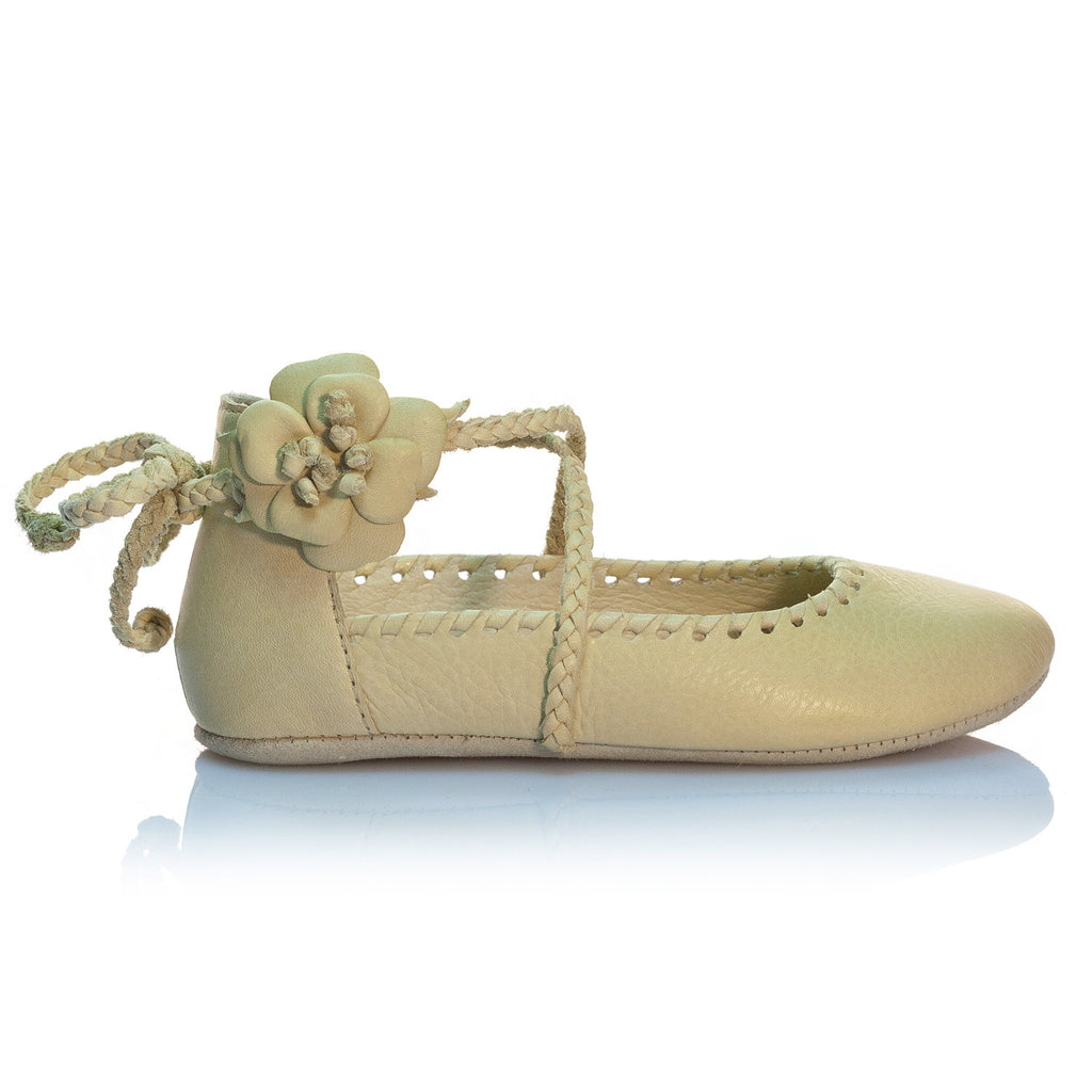 Vibys-Handmade-Floral-Leather-Ballerinas-Baby-Shoes-Kaia-side-view