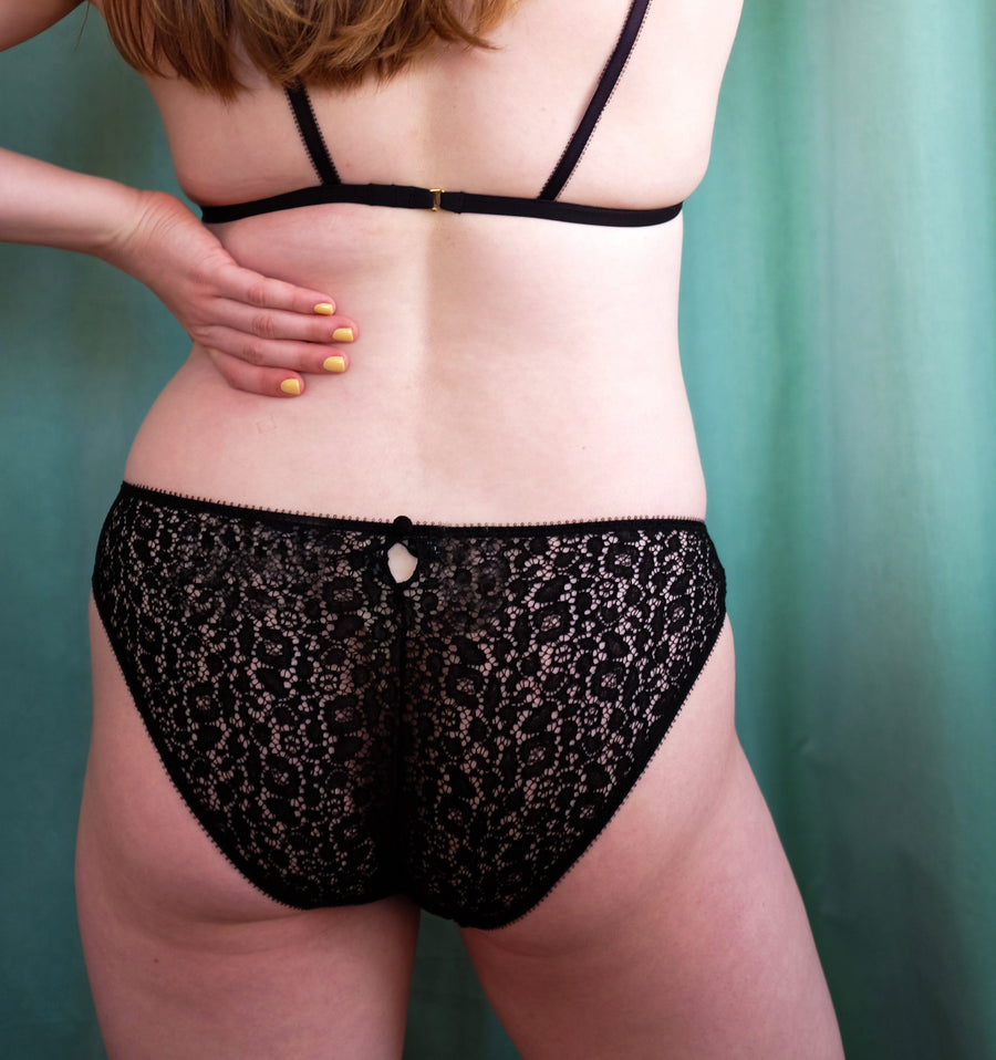 Lace Detailing Black Knicker