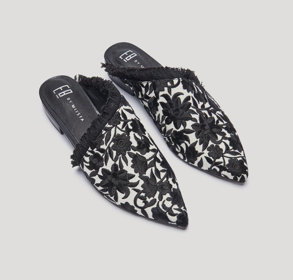 Leroy embroidered flats [Black & Cream]
