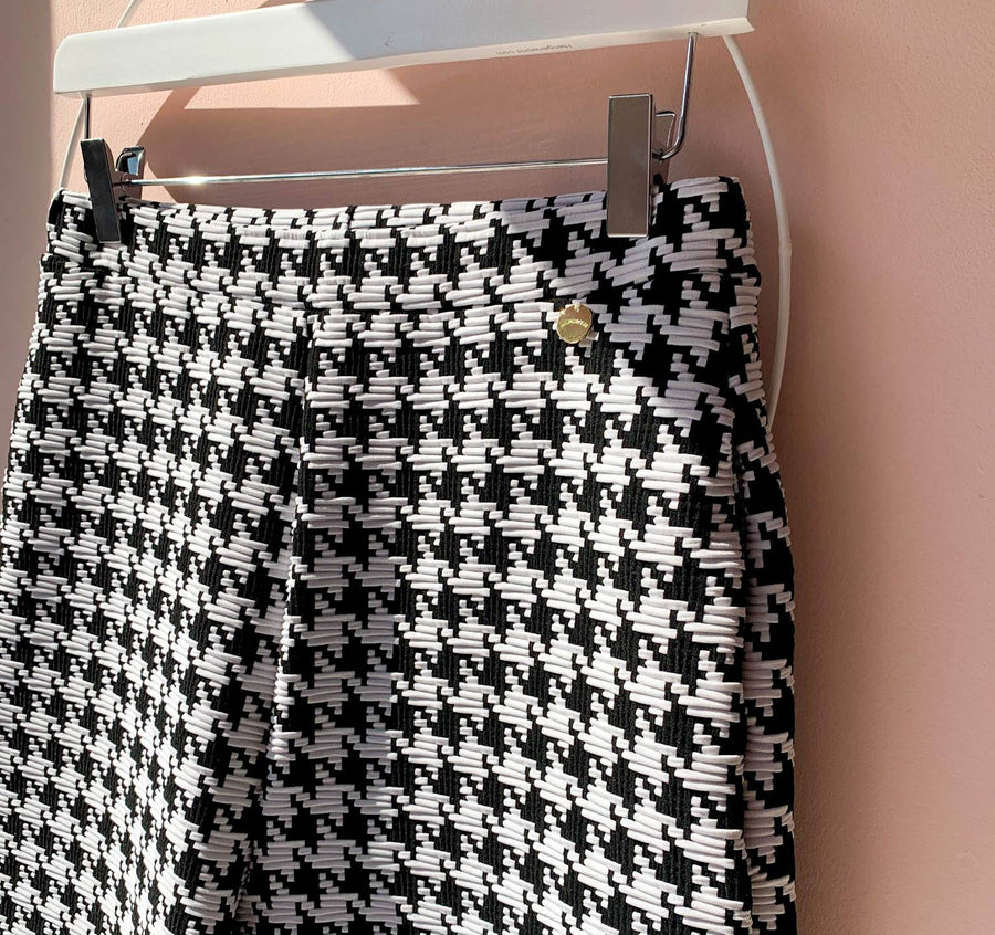 Houndstooth waffle cropped trouser [Monochrome]