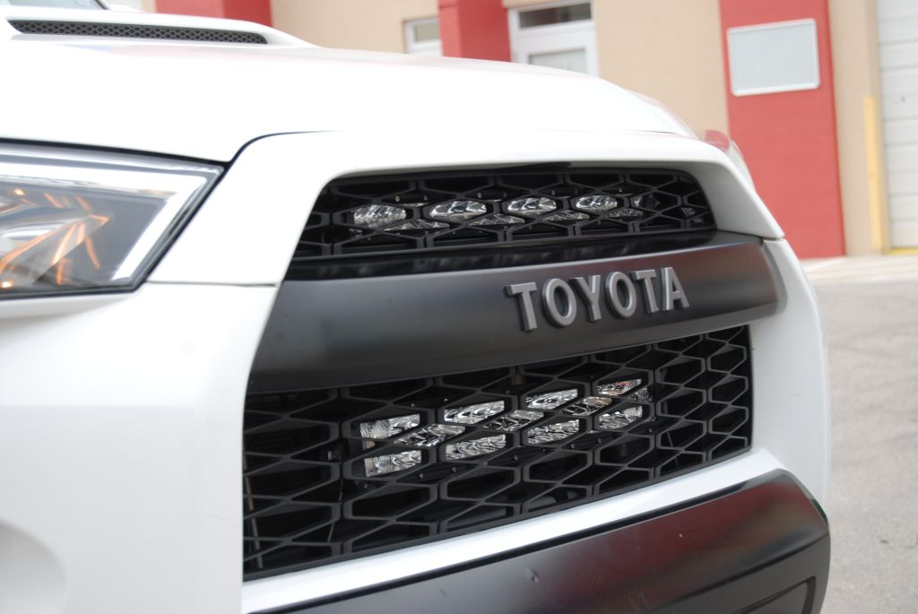 Toyota 4Runner, Upper Grille LED Light Bar Kit, Side View