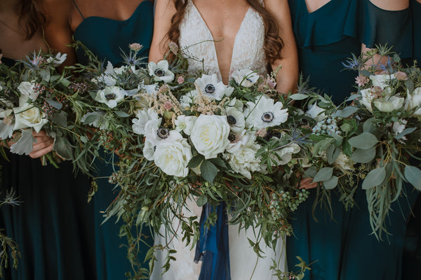 Inns of Aurora Wedding Flowers | Grace + Roland