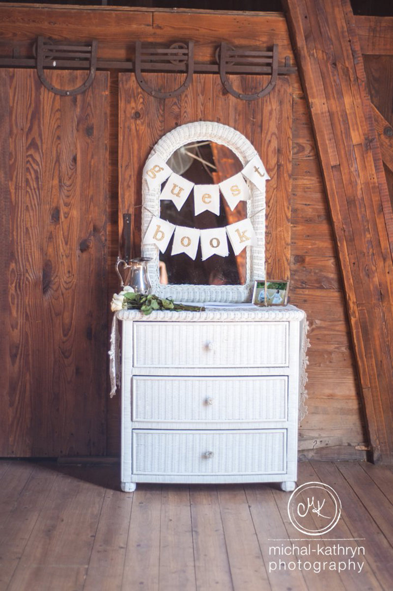Avon-Century-Barn-Wedding-Stacy-k-Floral-1