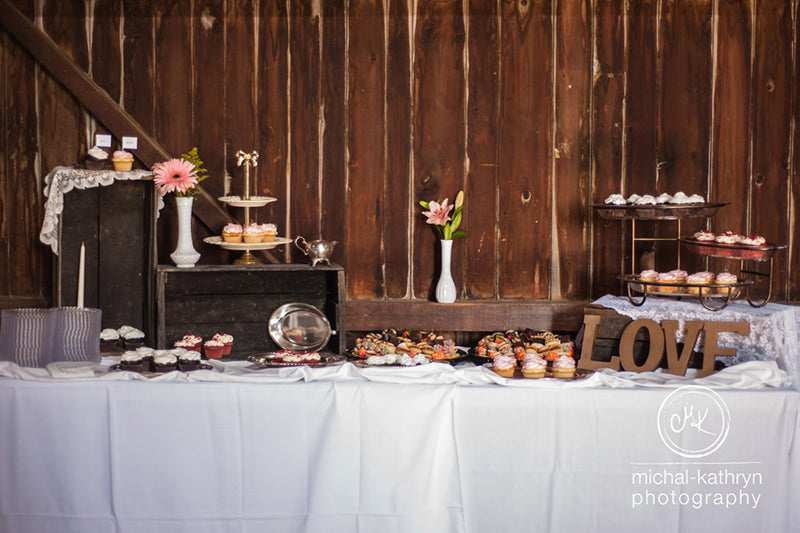 Avon-Century-Barn-Wedding-Stacy-k-Floral-14