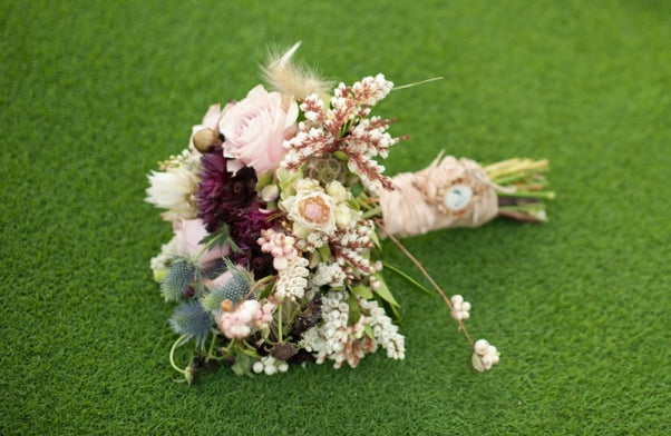 Soft-Pastel-Bouquet-Late-Summer-Wedding(pp_w602_h392)