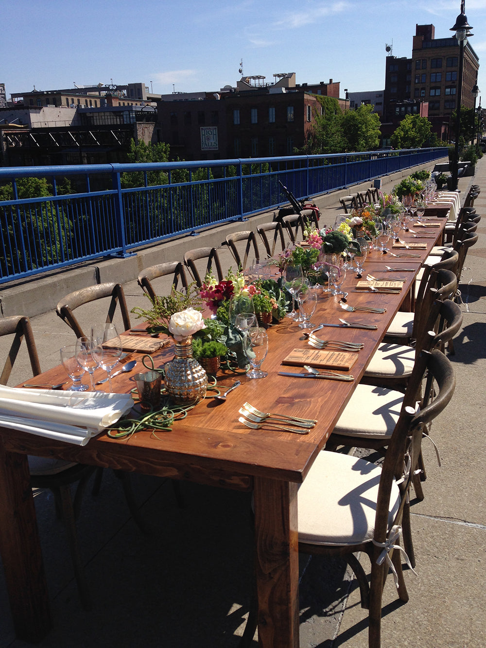 dinner-on-the-bridge-stacy-k-floral-6