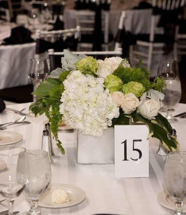 stacykfloral_white_green_wedding10-370x426