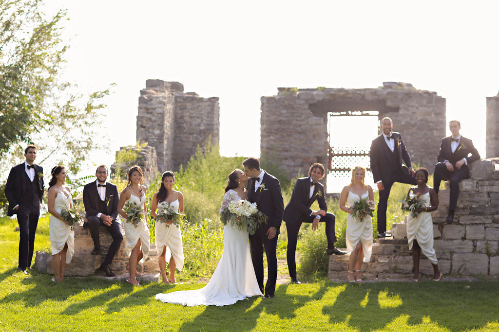 the ruins at Inns of aurora wedding