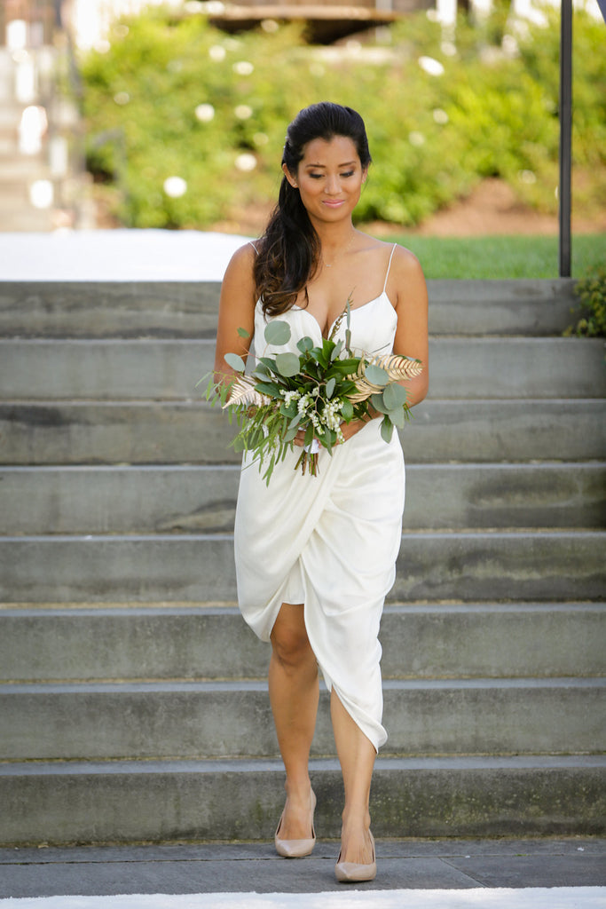 greenery bouquet for bridesmaid