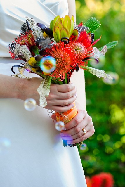 wedding-bouquet_red-wedding_tropical-wedding_proteas
