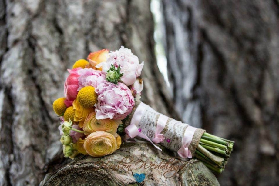 yellow-and-pink-bouquet-spring-summer-wedding(pp_w920_h614)