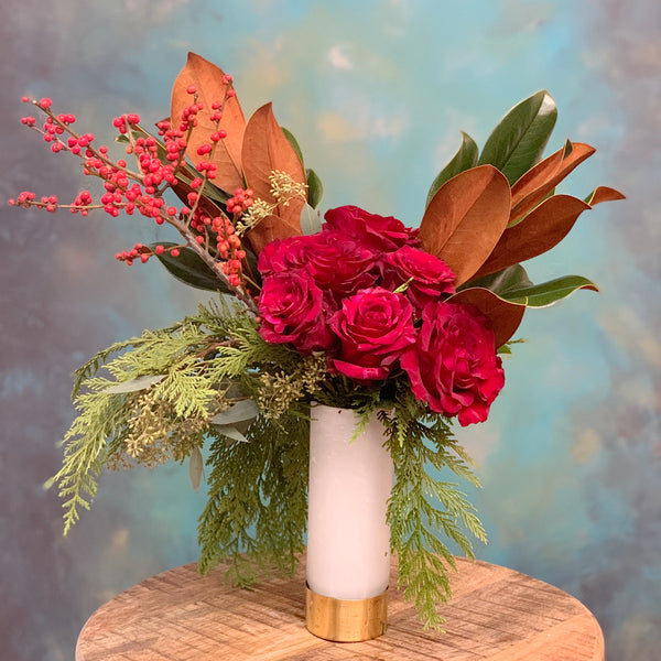 half dozen roses red in vase
