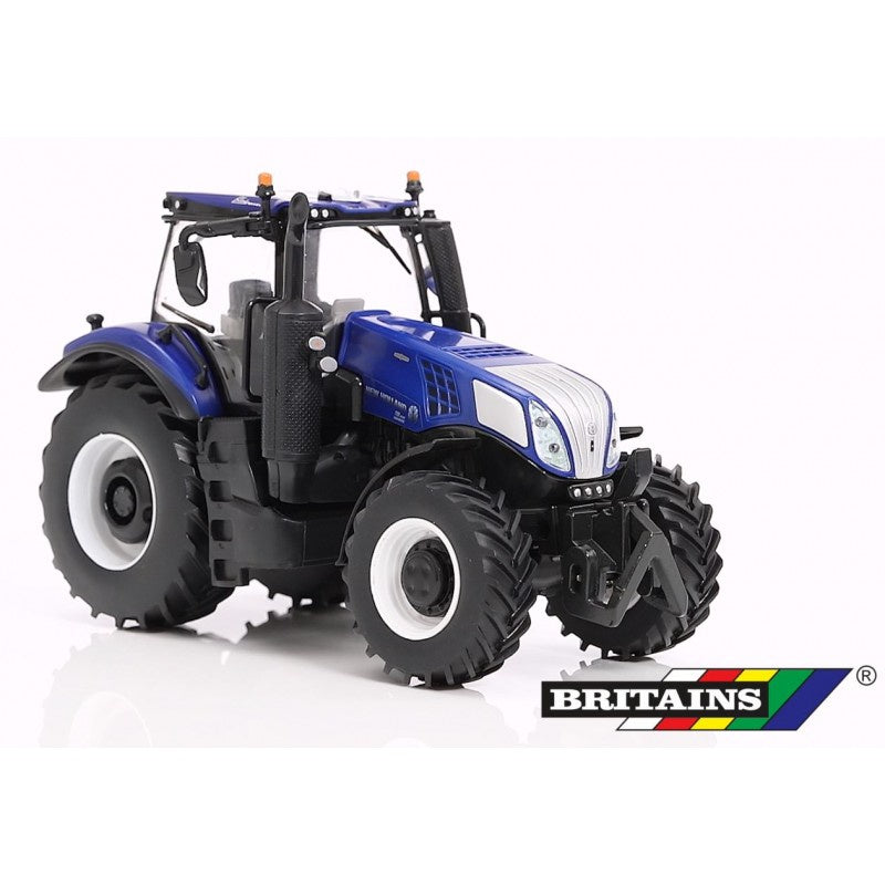 Britains 43216 New Holland T8.435 Tractor 1:32