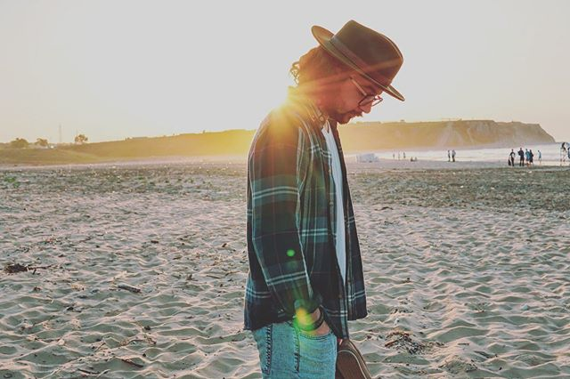 BEACH DAYS• . . . . . . .  #gentleman #beard #beardedmen #affiliatemarketing...