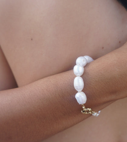 The Half and Half Freshwater pearl bracelet
