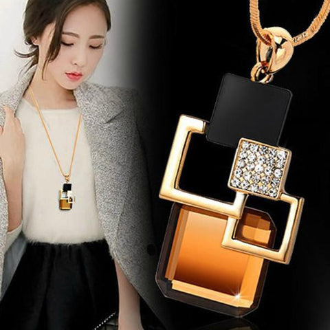 Classy Fashion Crystal Necklace