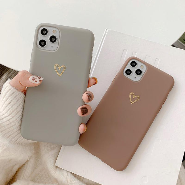 Hollow-Out Heart Vintage Case - Jelly Cases