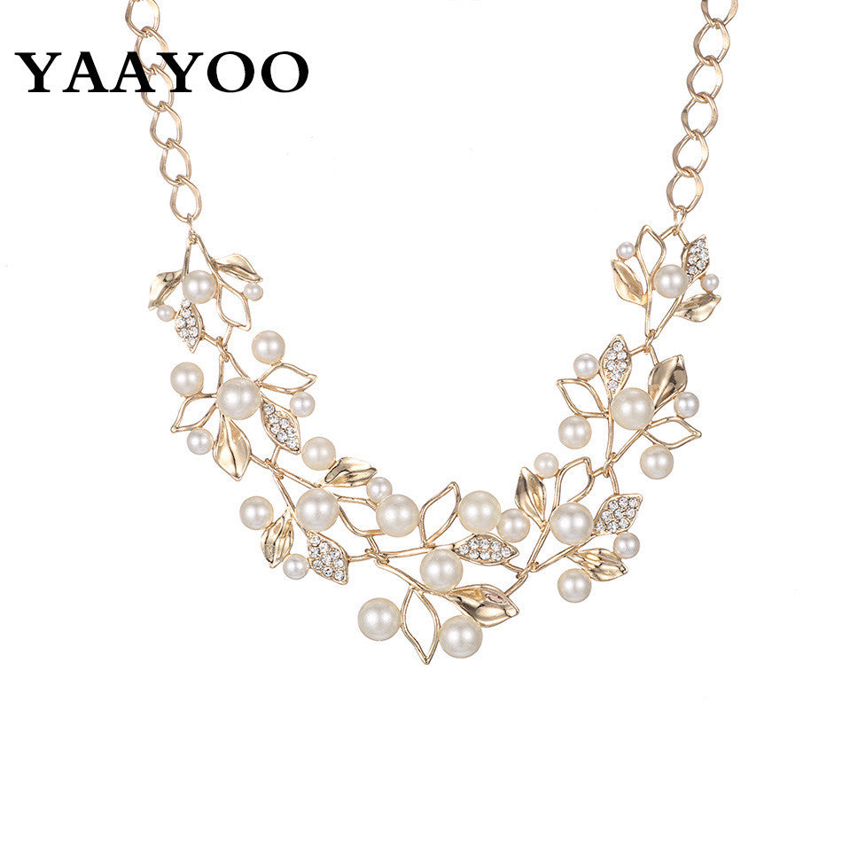 New 2016 New Fashion Imitation Pearl Rhinestone Flowers Leaves Metal Gold Silver  Plated Statement Necklace Women ... 348a838e5743
