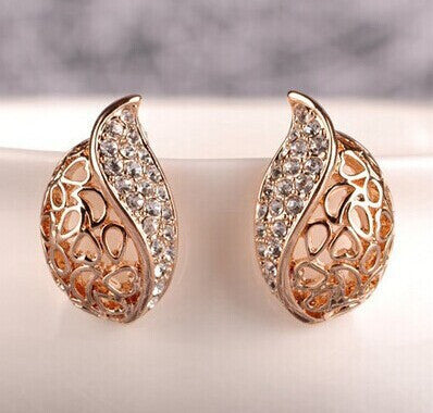Fashion Women Lover Hollow Leaf Gold Plated Rhinestone Earrings Jewelry E121 10g
