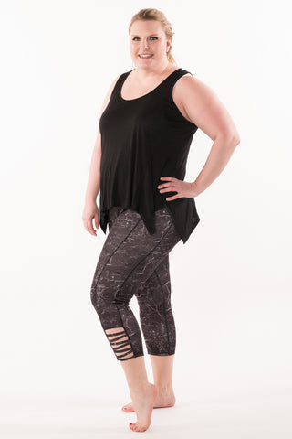 Stone Print Capri Leggings - Plus