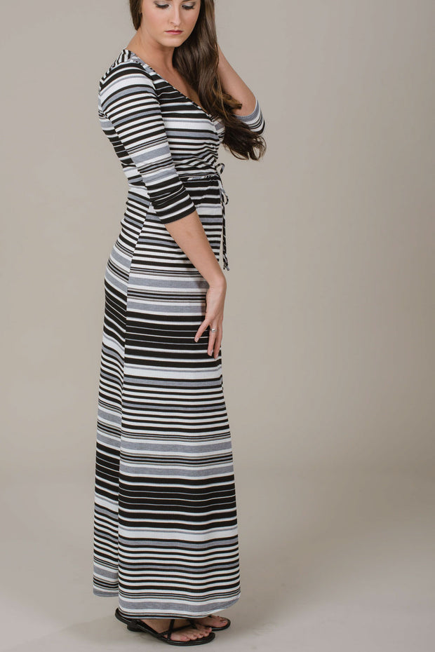 Never Be Lonely Maxi Dress