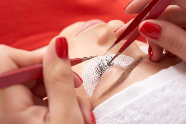 Classic Eyelash Extension 8 Hour Training Course