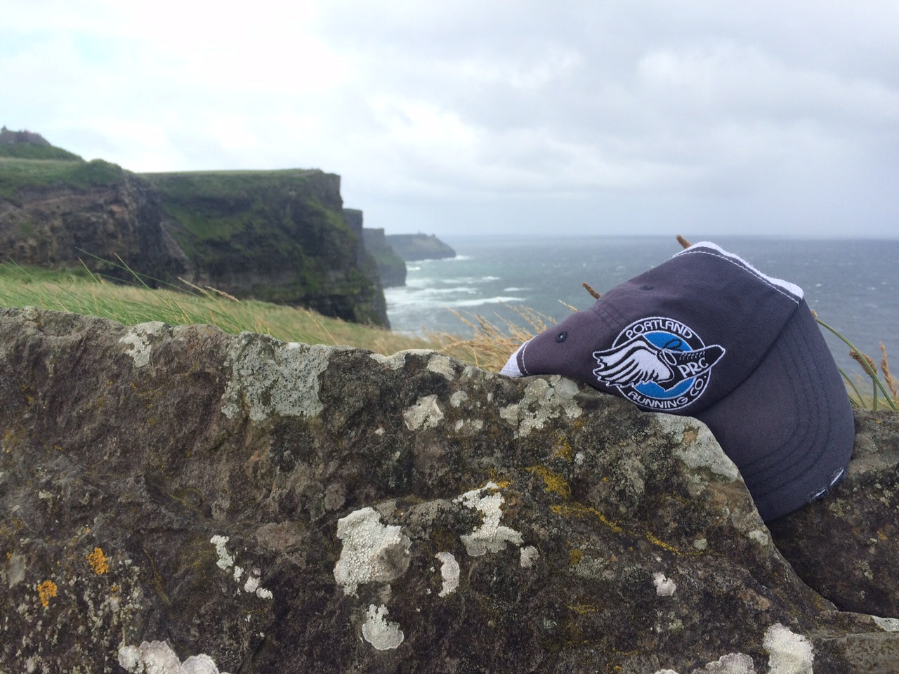 Cliffs of Moher Portland Running Company hat Ireland Race to Kinvara Saucony Relay Run