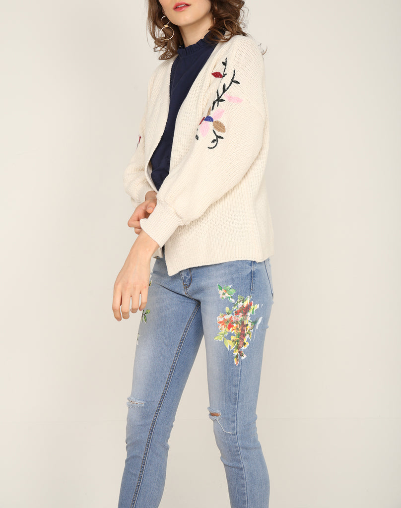 Cream Embroidery Knit Cardigan
