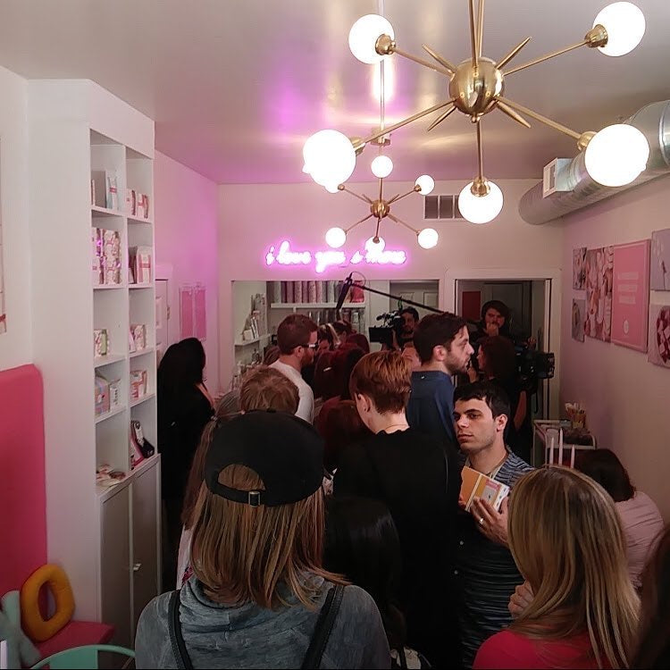 The XO Marshmallow cafe completely packed full of people on a busy Saturday