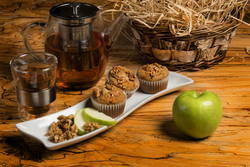 6 Apple Walnut Muffins - SugarFreeMarkets