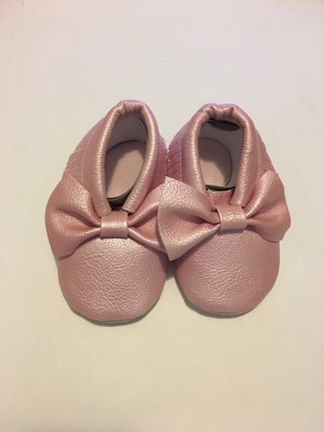 Metallic Bow Moccasins