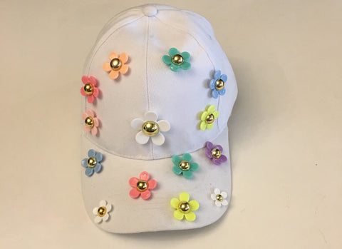 Daisy - Colorful flowers on White Cap