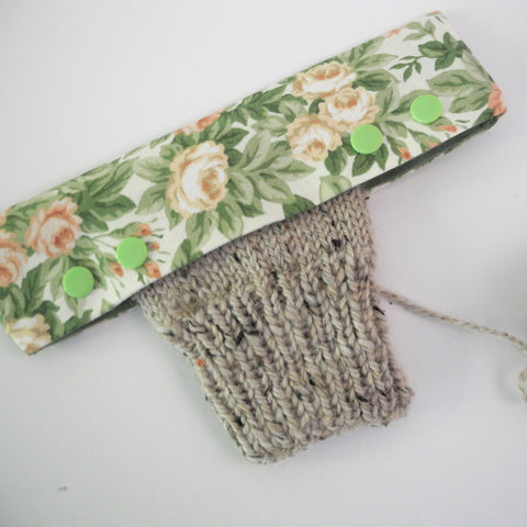 needle pocket with yarn