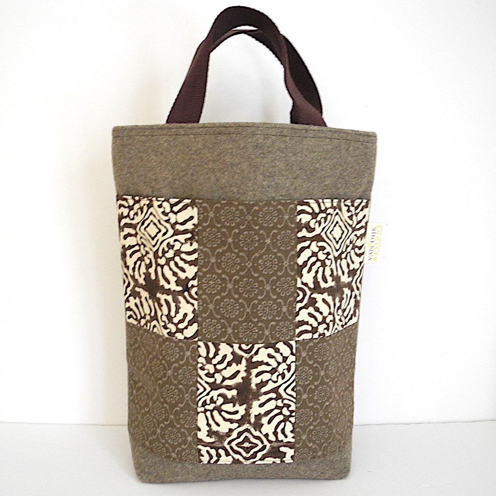 Deluxe Tall Boy Tote with Pockets