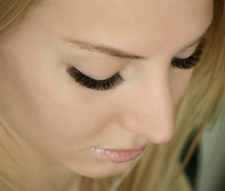 Standing Your Ground as an Eyelash Artist