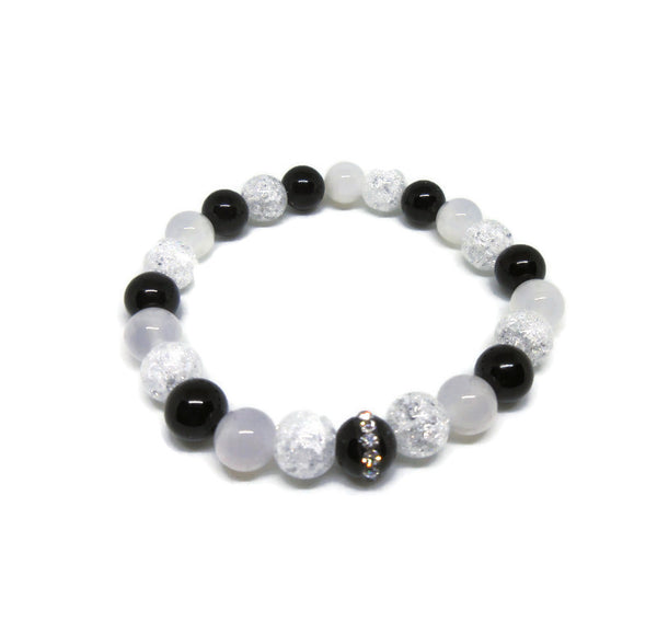 White Agate, Black onyx and Cracked Quartz 8mm beaded bracelet