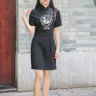 Black retro embroidery cheongsam YV40207