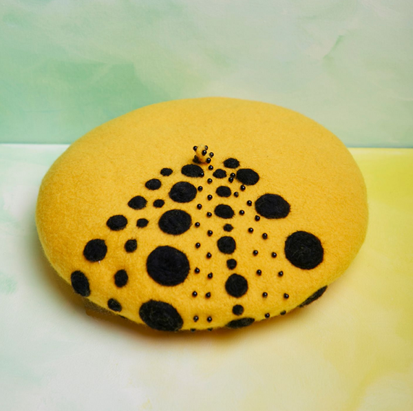 Yellow dot beaded beret yv42600
