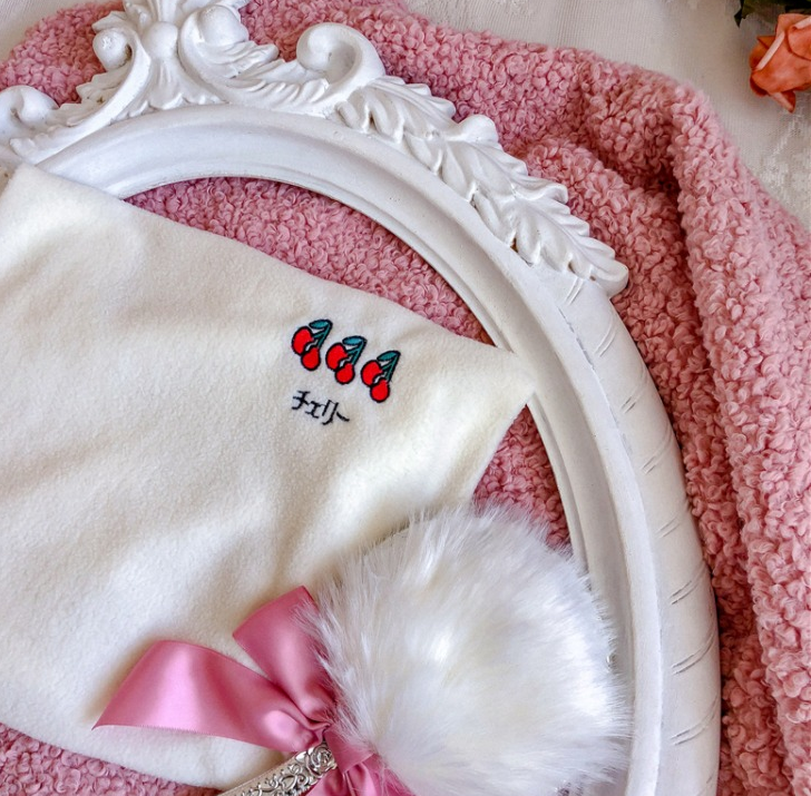 Cute embroidered moon turtleneck yv42722